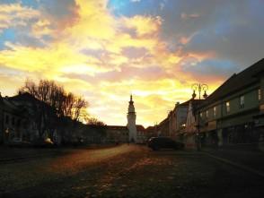 Ranní klid na boskovickém Masarykově náměstí