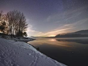 Noční křetínská přehrada