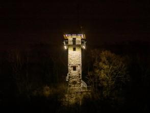 Rozhledna Alexandrovka vnoci